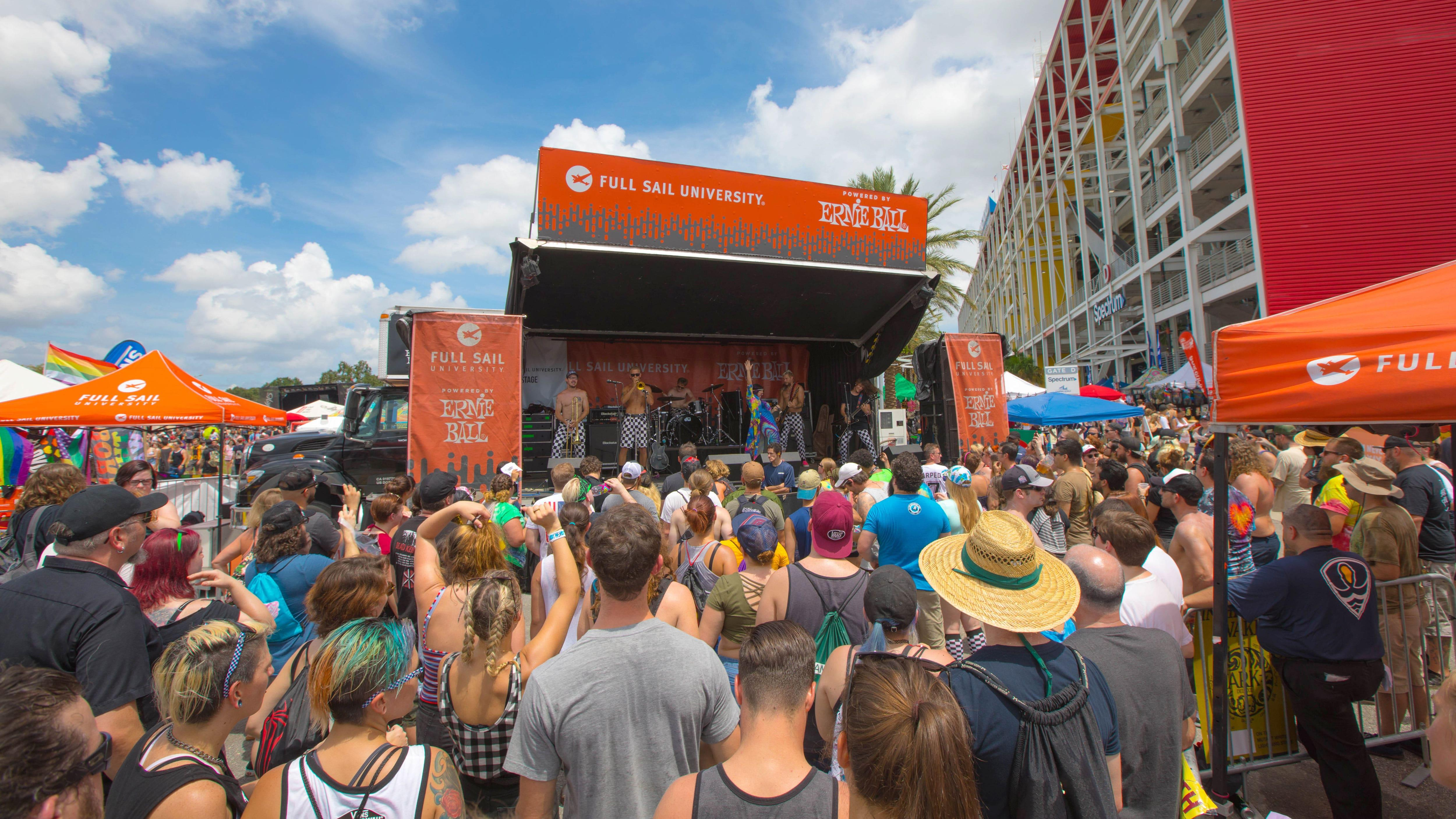 Full Sail Sponsoring Final Cross-Country Vans Warped Tour - Hero image