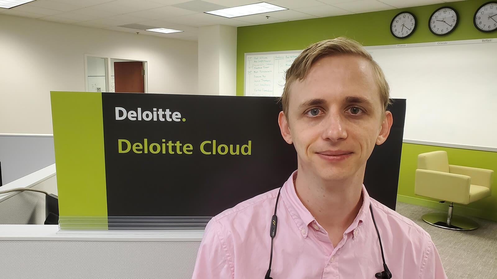 This Grad Helps Clients Execute Cloud-Based Solutions for Business - Hero image