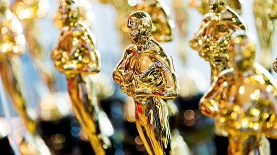 Featured story thumb - Alumni 89Th Oscars Mob