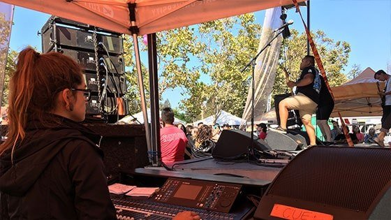 Featured story thumb - Full Sail Grads Behind The Scenes On 2016 Vans Warped Tour Mob