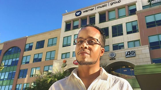 Featured story thumb - Grad Finds Data Drive To Work At Warner Music Group Mob
