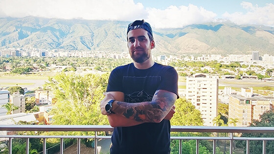 Featured story thumb - Venezuelan Grad Shares His Journey To Becoming A Senior Video Editor Mob