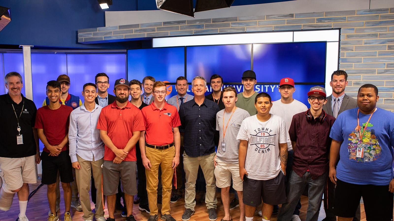 Featured image - Bill Simmons Speaks On Campus Inline